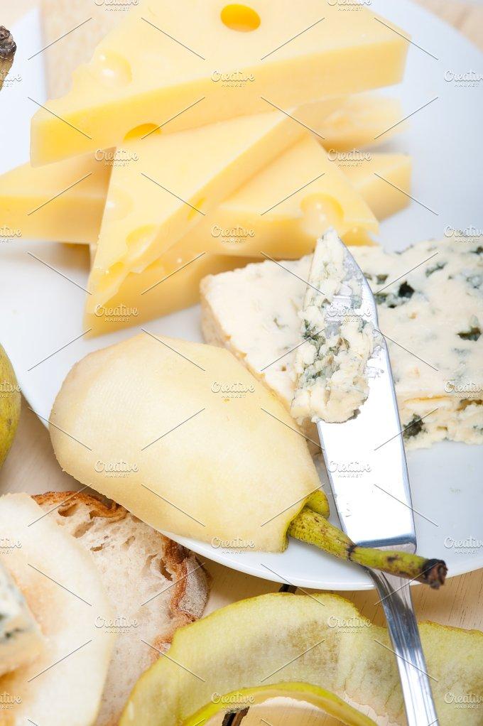 fresh pears and cheese 024.jpg - Food & Drink