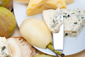 fresh pears and cheese 026.jpg
