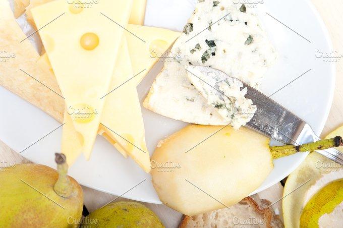 fresh pears and cheese 033.jpg - Food & Drink