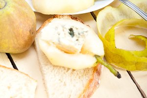 fresh pears and cheese 038.jpg