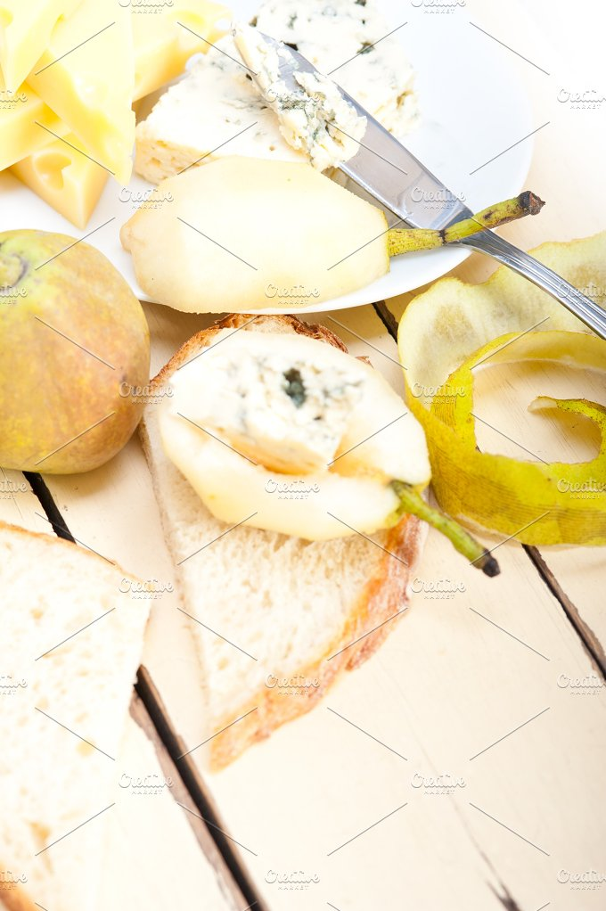 fresh pears and cheese 038.jpg - Food & Drink