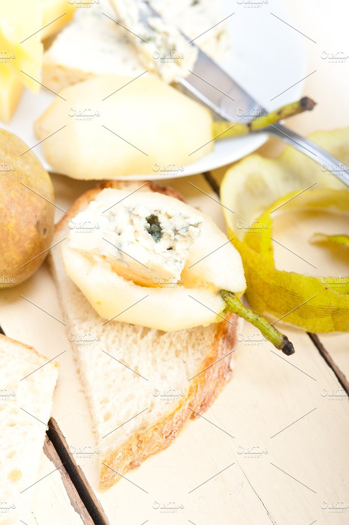 fresh pears and cheese 037.jpg - Food & Drink