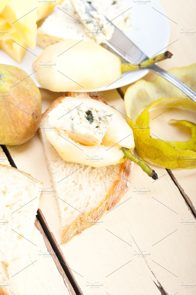 fresh pears and cheese 039.jpg - Food & Drink