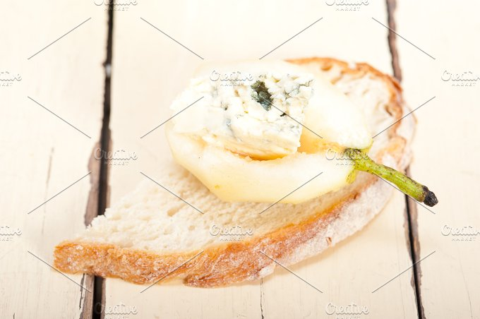 fresh pears and cheese 040.jpg - Food & Drink