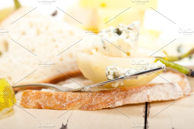 fresh pears and cheese 053.jpg - Food & Drink