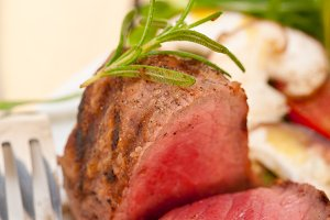 grilled beef filet mignon with vegetables 065.jpg