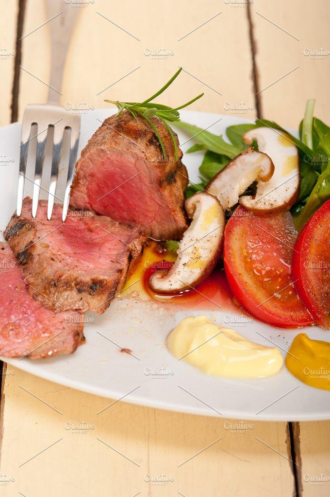 grilled beef filet mignon with vegetables 011.jpg - Food & Drink