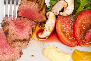 grilled beef filet mignon with vegetables 012.jpg