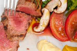 grilled beef filet mignon with vegetables 013.jpg