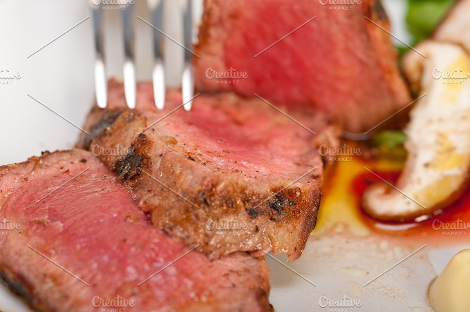 grilled beef filet mignon with vegetables 018.jpg - Food & Drink