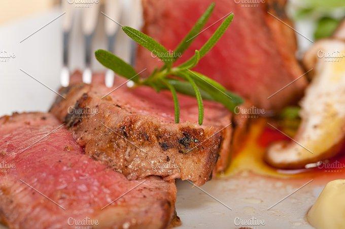 grilled beef filet mignon with vegetables 027.jpg - Food & Drink