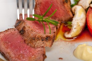 grilled beef filet mignon with vegetables 028.jpg