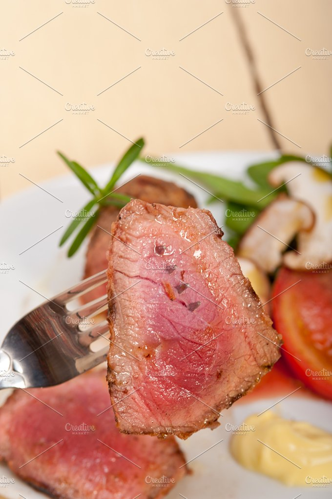 grilled beef filet mignon with vegetables 035.jpg - Food & Drink
