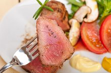 grilled beef filet mignon with vegetables 032.jpg