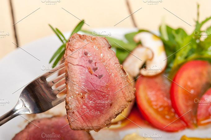 grilled beef filet mignon with vegetables 034.jpg - Food & Drink