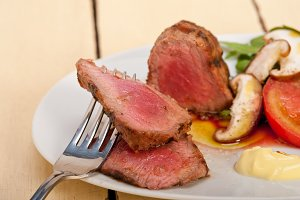 grilled beef filet mignon with vegetables 041.jpg