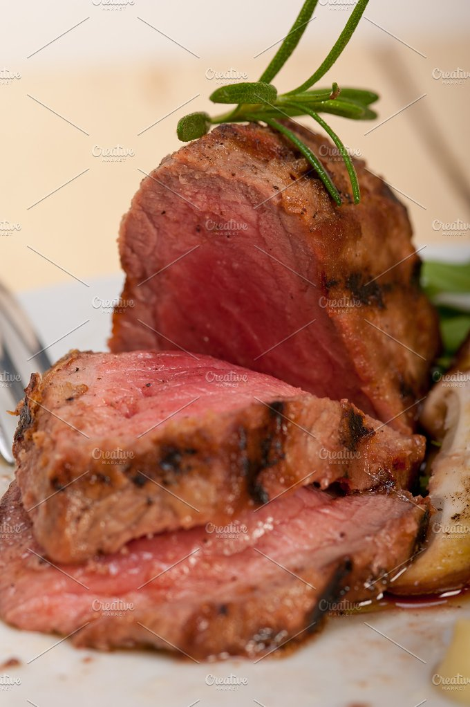 grilled beef filet mignon with vegetables 050.jpg - Food & Drink