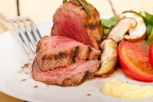 grilled beef filet mignon with vegetables 052.jpg