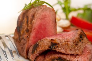 grilled beef filet mignon with vegetables 055.jpg