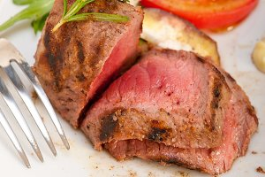 grilled beef filet mignon with vegetables 057.jpg