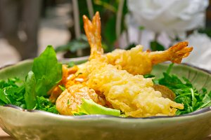 japanese shrimps tempura and salad 016.jpg