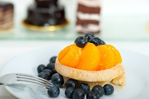 orange tangerine and blueberries cream cupcake 005.jpg