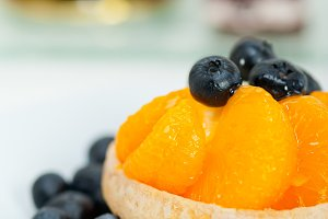 orange tangerine and blueberries cream cupcake 002.jpg