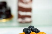 orange tangerine and blueberries cream cupcake 003.jpg