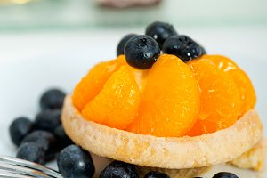 orange tangerine and blueberries cream cupcake 003.jpg