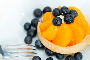 orange tangerine and blueberries cream cupcake 001.jpg