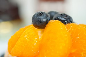 orange tangerine and blueberries cream cupcake 008.jpg