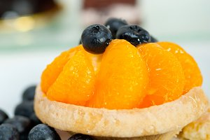 orange tangerine and blueberries cream cupcake 009.jpg
