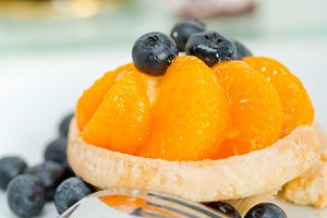 orange tangerine and blueberries cream cupcake 010.jpg