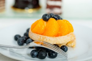 orange tangerine and blueberries cream cupcake 012.jpg