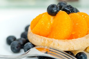orange tangerine and blueberries cream cupcake 011.jpg