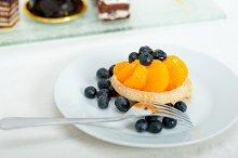 orange tangerine and blueberries cream cupcake 013.jpg