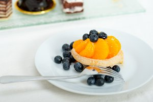 orange tangerine and blueberries cream cupcake 013.jpg