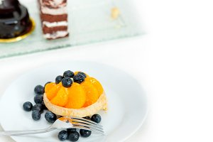orange tangerine and blueberries cream cupcake 015.jpg