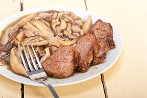 venison deer  filet tenderloin with wild mushrooms 007.jpg