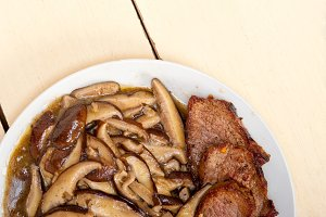 venison deer  filet tenderloin with wild mushrooms 029.jpg