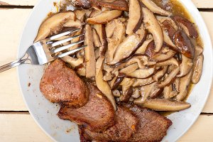 venison deer  filet tenderloin with wild mushrooms 032.jpg