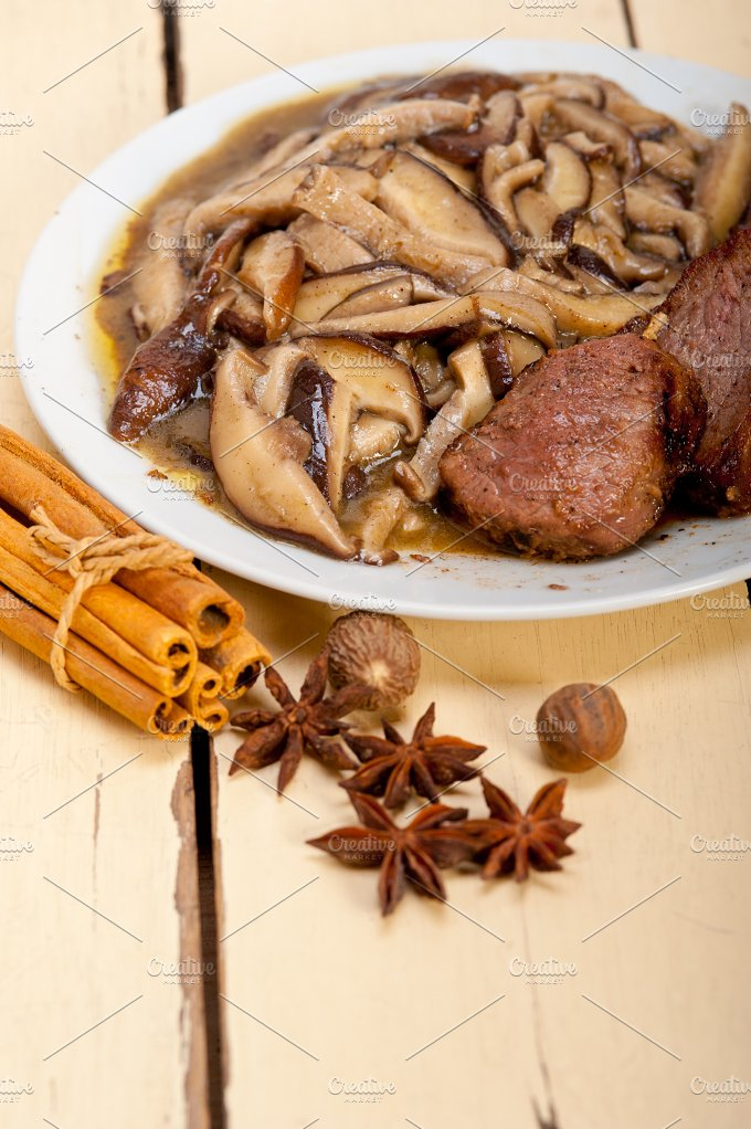 venison deer filet tenderloin with wild mushrooms 042.jpg - Food & Drink