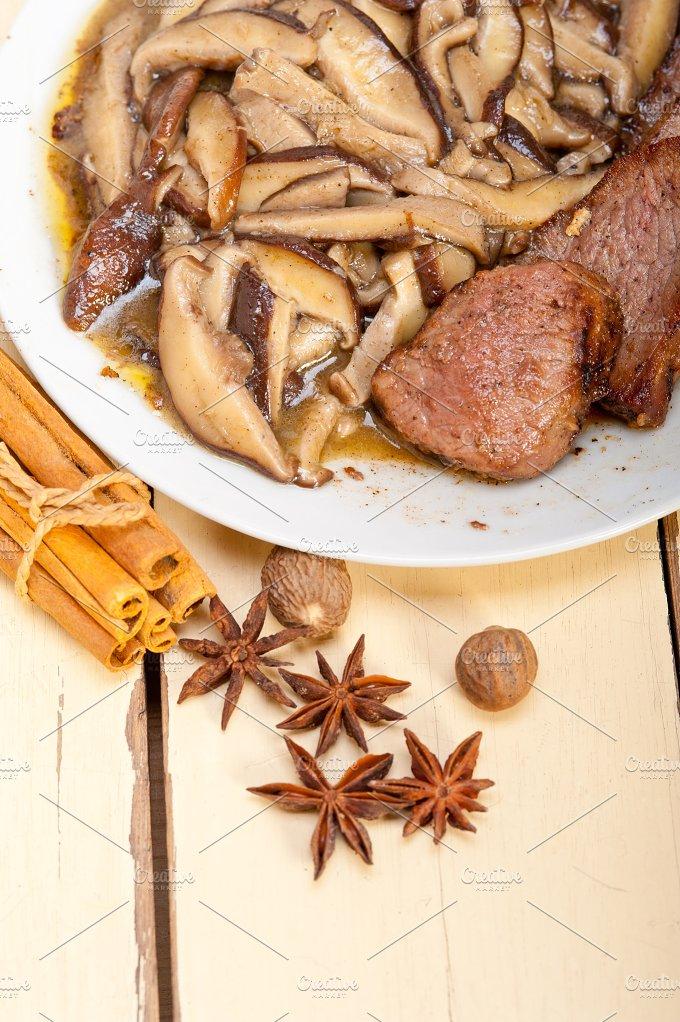 venison deer filet tenderloin with wild mushrooms 043.jpg - Food & Drink