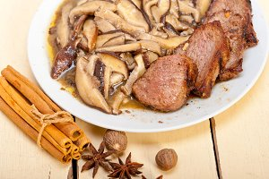 venison deer  filet tenderloin with wild mushrooms 046.jpg