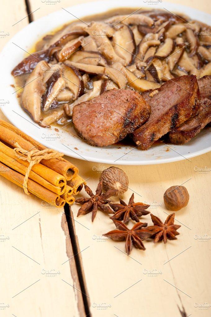 venison deer filet tenderloin with wild mushrooms 051.jpg - Food & Drink