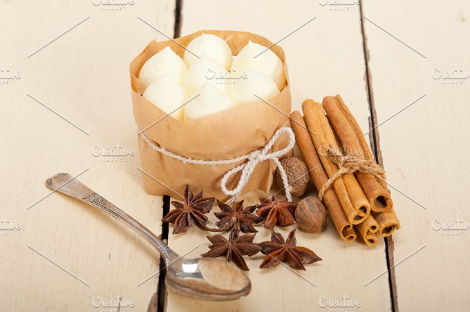 vanilla and spice cream cake dessert 003.jpg - Food & Drink