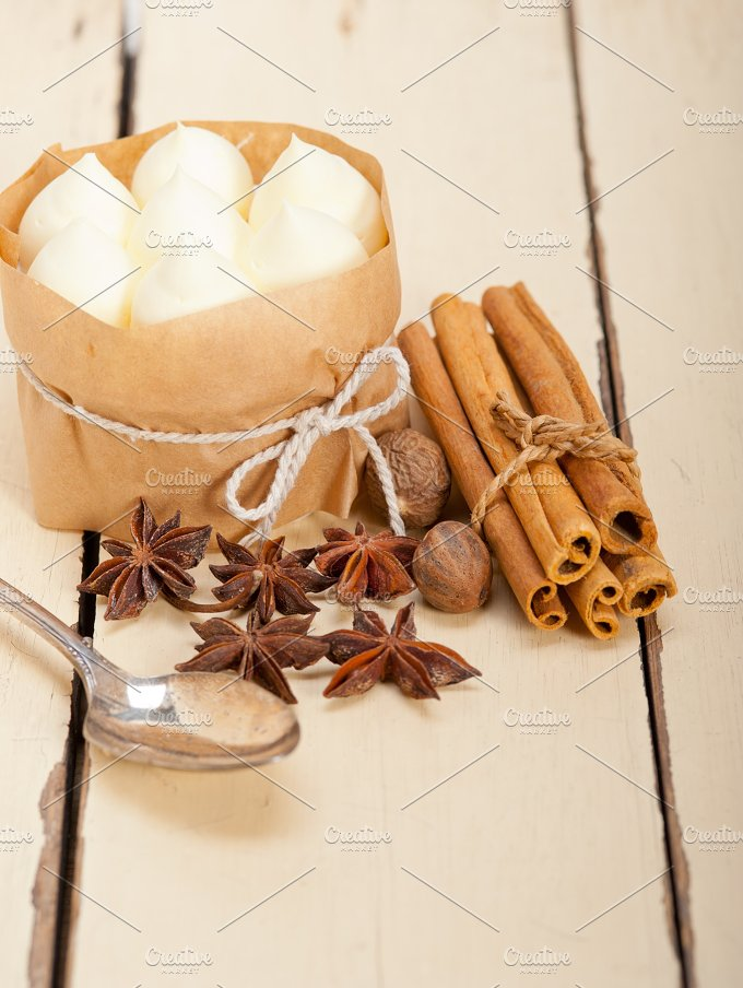 vanilla and spice cream cake dessert 001.jpg - Food & Drink
