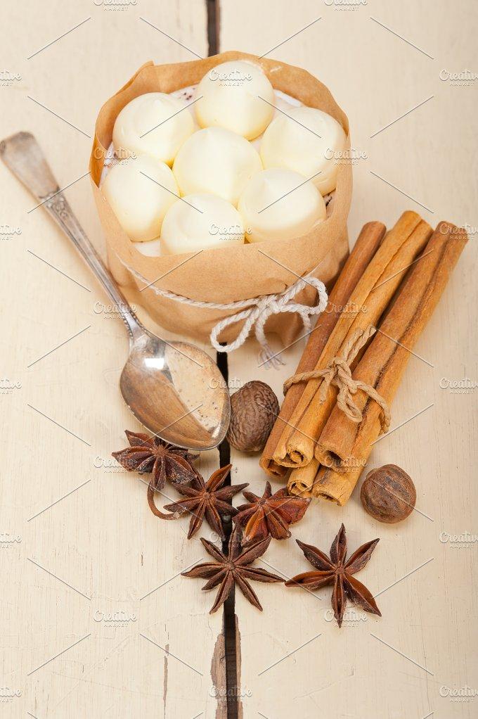 vanilla and spice cream cake dessert 017.jpg - Food & Drink