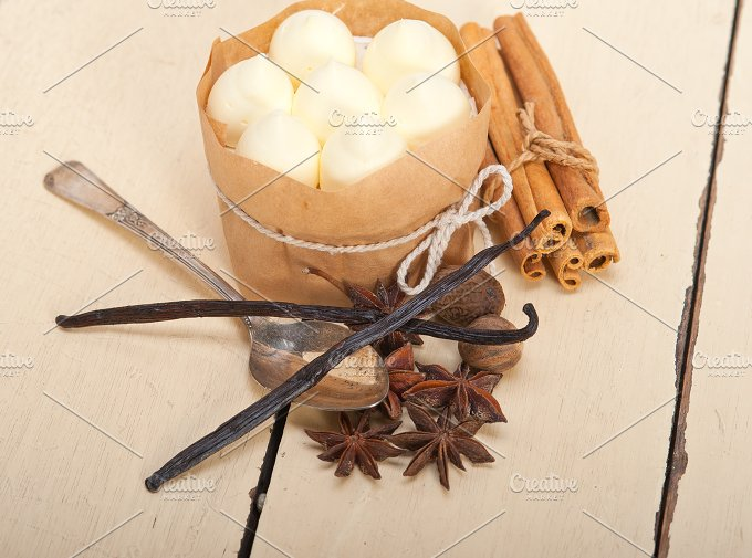 vanilla and spice cream cake dessert 033.jpg - Food & Drink