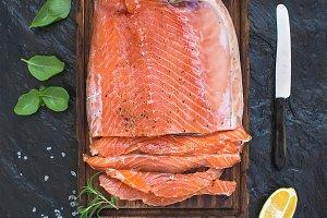 Smoked salmon filet with lemon